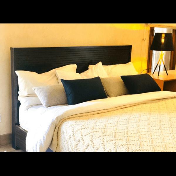 Queen Sized Bed - SoUnique.PK