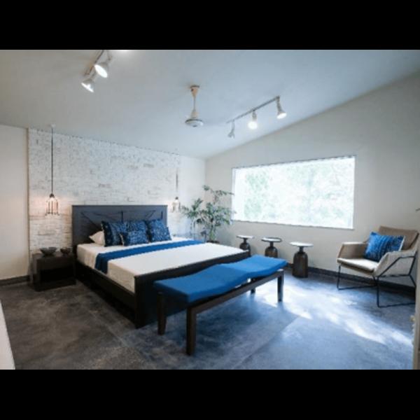 Modern Queen Size Bed - SoUnique.PK