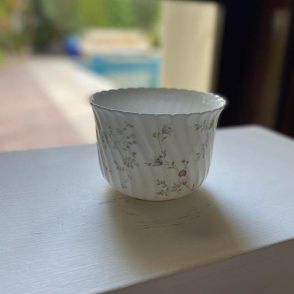 Floral Porcelain Planter-SoUnique.PK