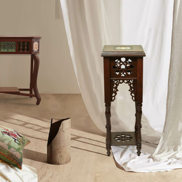Carved Corner Table - SoUnique.PK